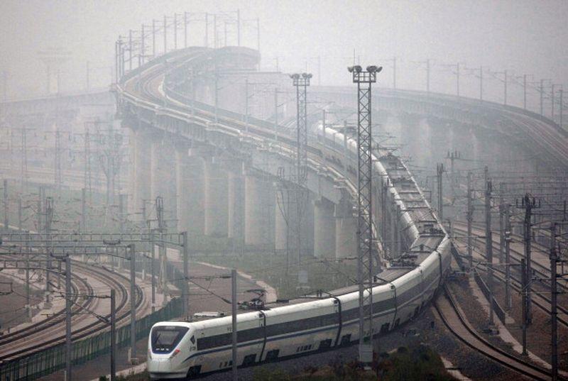 中共「一帶一路」持續吸引西方媒體的關注,美媒日前發表分析文章指出,如同對西伯利亞的開發拖垮蘇聯一樣,在沒有收益的地區進行大手筆投資可能會拖垮中國。(ChinaFotoPress/Getty Images)