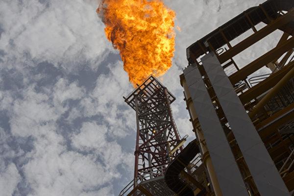 國際油價反彈逾兩成 分析師:橡皮筋效應