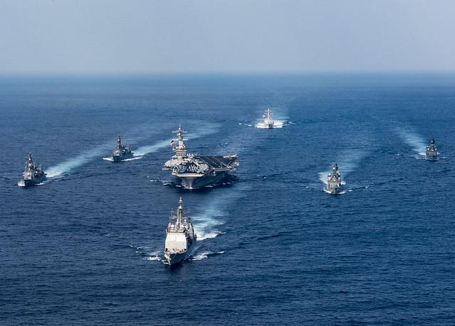尼米茲級航空母艦艦隊在太平洋菲律賓海域。(美國海軍網站)
