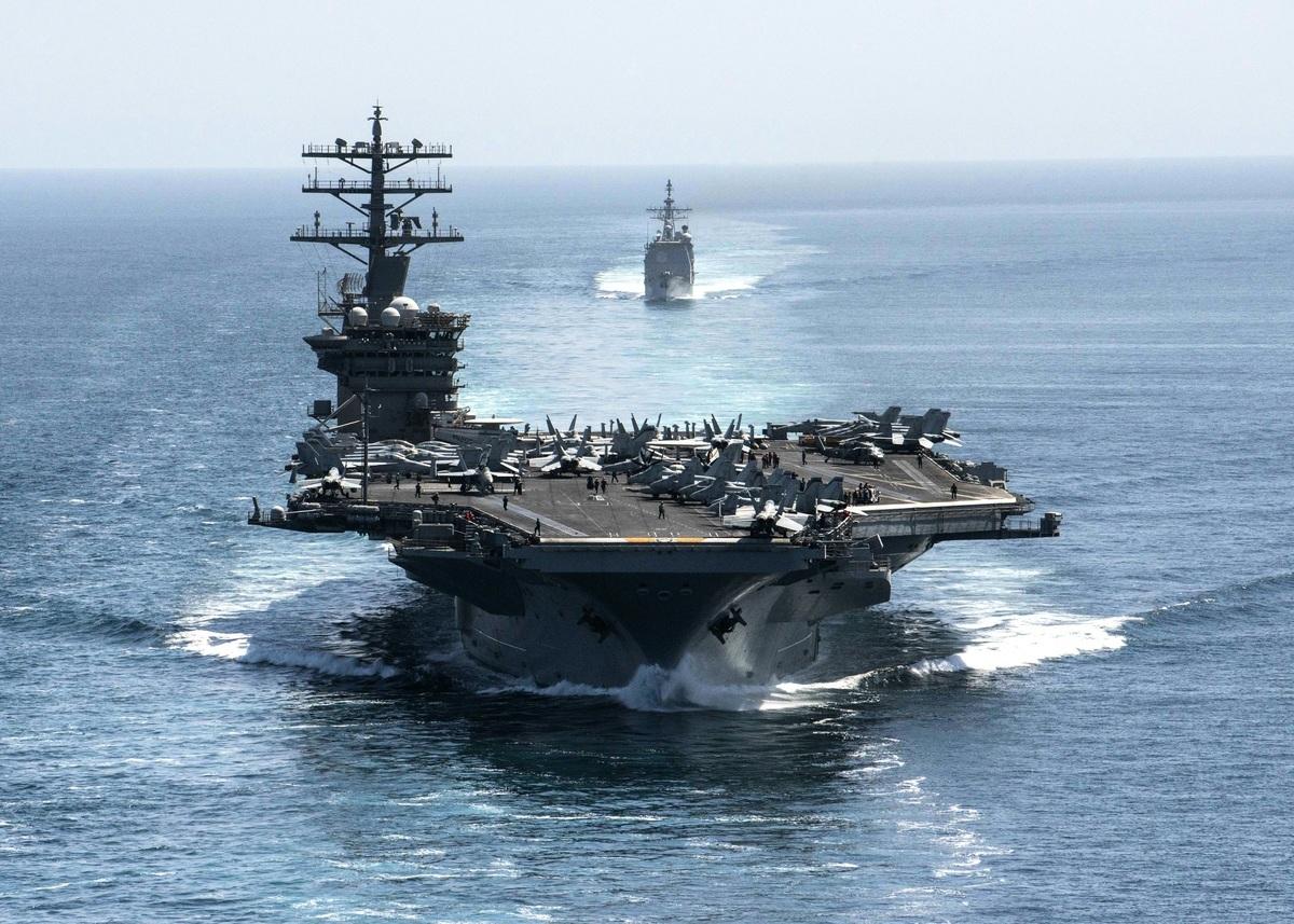 美軍航母尼米茲號(CVN68)。(elliot Schaudt/US NAVY/AFP)