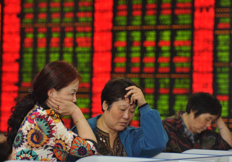 2019年11月11日,A股三大股指齊跌,滬指創下四個月最大跌幅。圖為資料照。(AFP PHOTO CHINA OUT)
