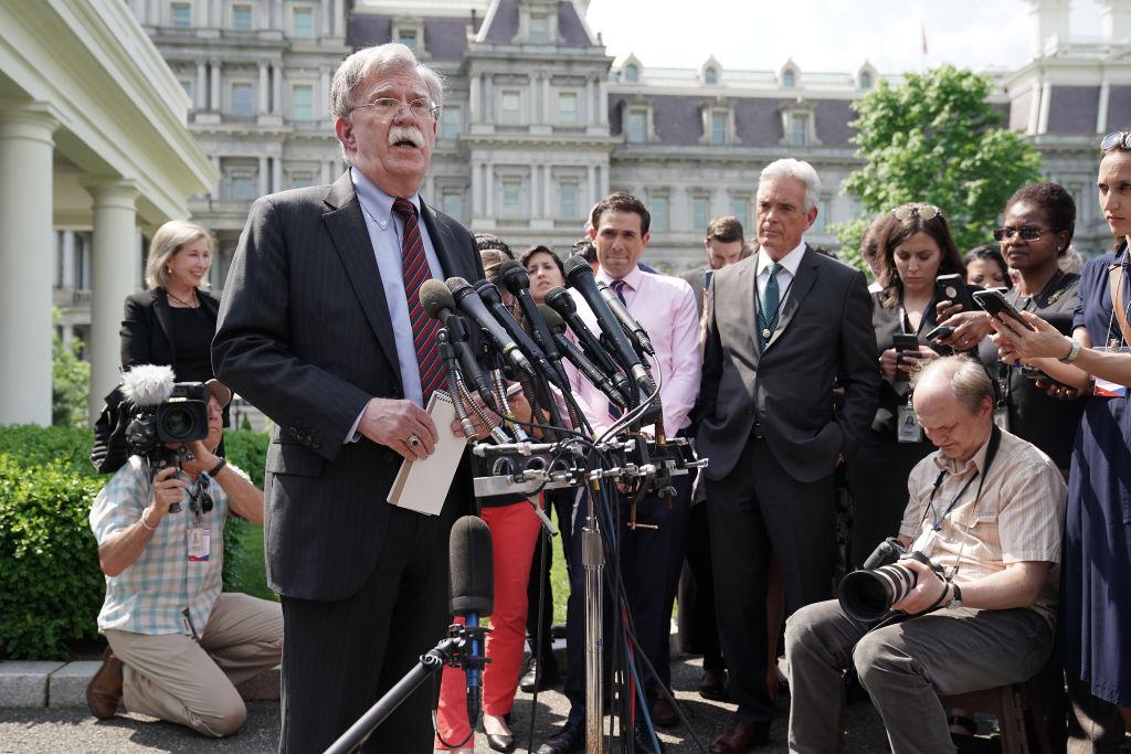 白宮國家安全顧問約翰・博爾頓表示,總統特朗普最近簽署了新備忘錄,將對中共和其他外國黑客予以還擊。(Chip Somodevilla/Getty Images)