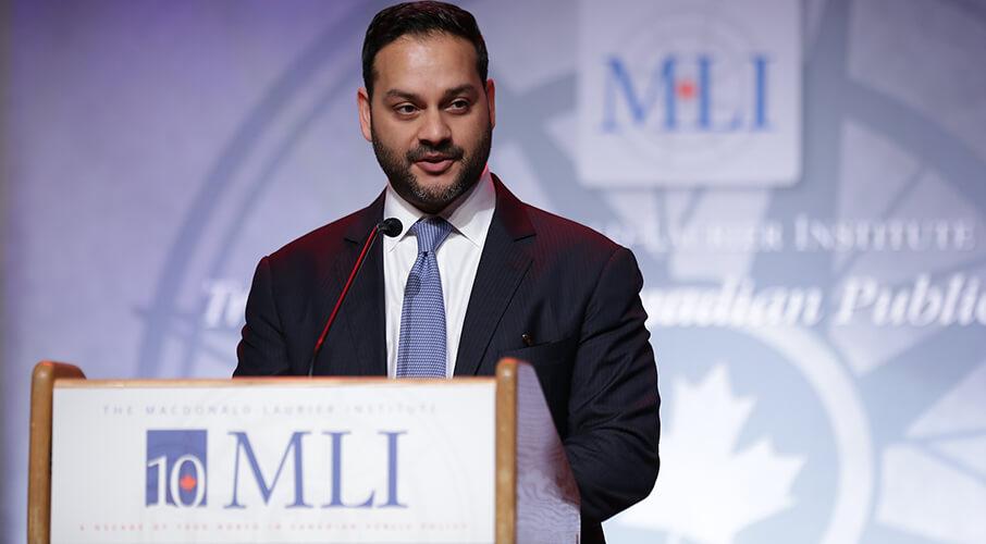 加拿大麥克唐納德-勞裏爾研究所蒙克外交政策高級研究員(Munk Senior Fellow)舒法洛·馬俊達(Shuvaloy Majumdar)先生。(MLI網站)