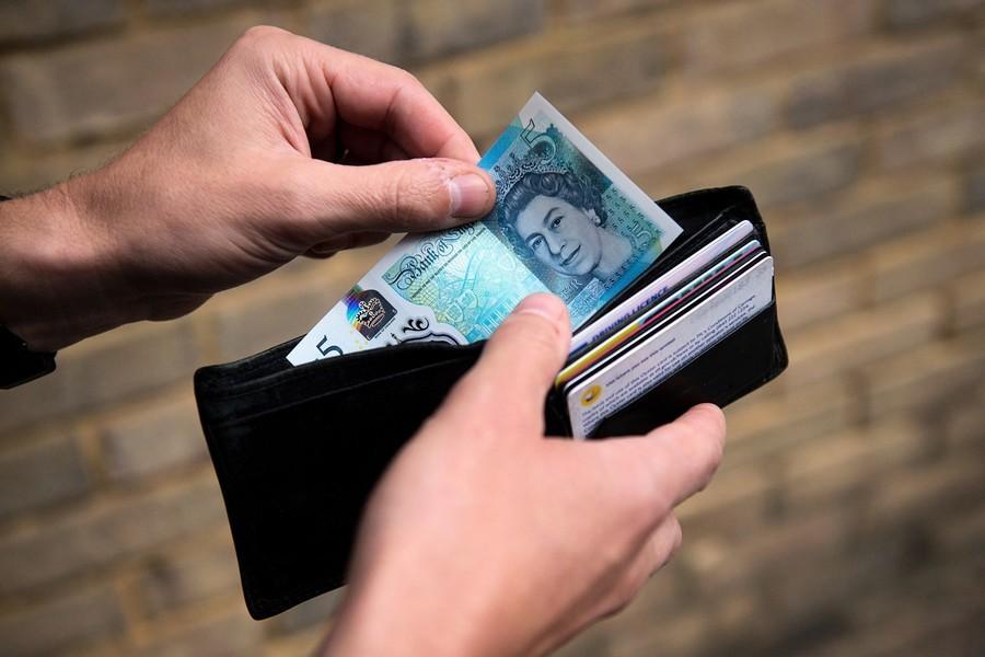 英國男子救警察一命 中百萬美元樂透