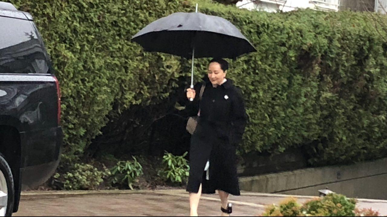 2020年1月23日,華為財務總監孟晚舟離家前往卑詩最高法院出庭引渡聆訊。(王昱莎/大紀元)