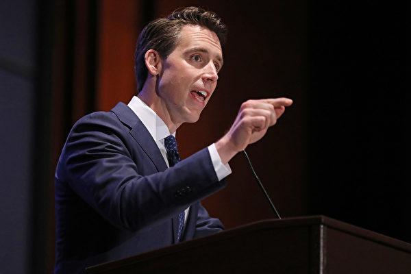 美共和黨參議員喬希‧霍利表示,現在是開始對北京就中共肺炎的災難處理進行國際調查的時候了。(Chip Somodevilla/Getty Images)