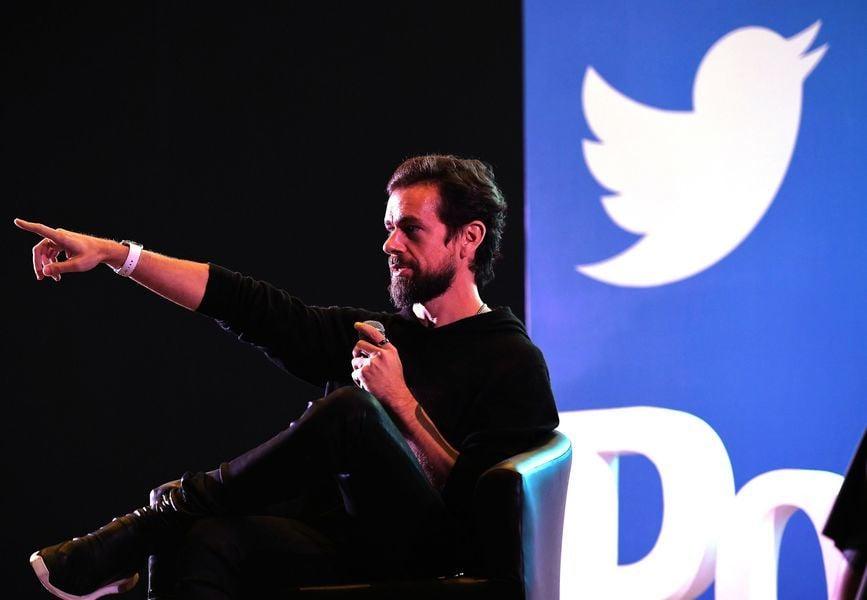 推特CEO稱要長期審查言論 股價暴跌15%
