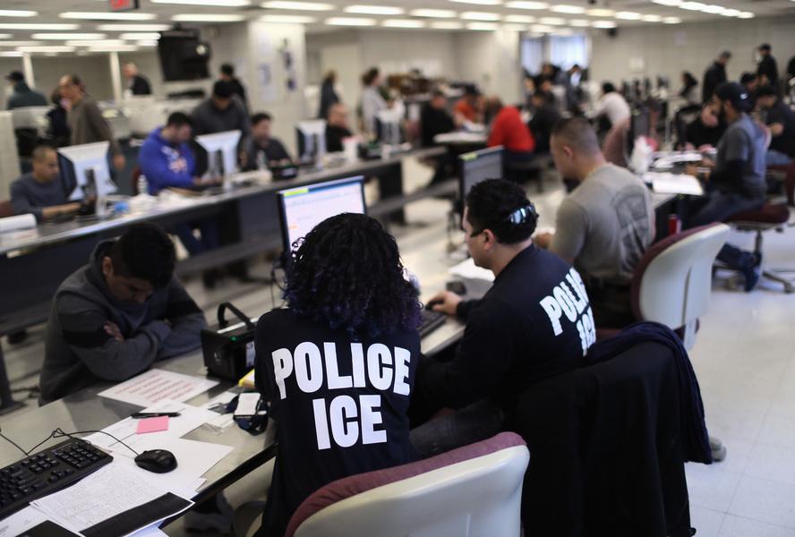 若不收被美遣返者 中共恐面臨美簽制裁風險