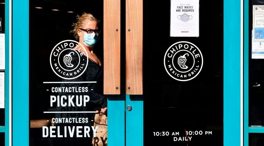 加州取消區域性居家令 洛杉磯將允許戶外餐飲