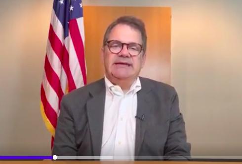 佛羅里達州國會議員戈斯‧比利拉基斯(Gus Bilirakis)影片截圖。(大紀元)