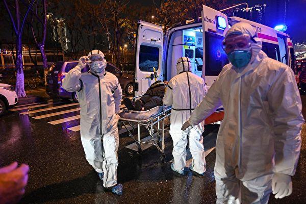 圖為武漢一家醫院。(HECTOR RETAMAL/AFP via Getty Images)