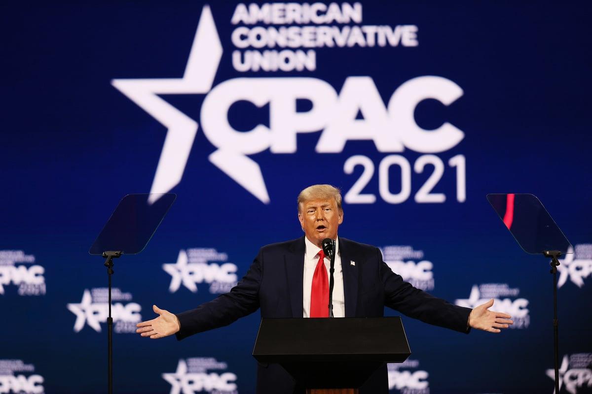 2021年2月28日,前美國總統特朗普在保守派大會CPAC上發表講話。(Joe Raedle/Getty Images)