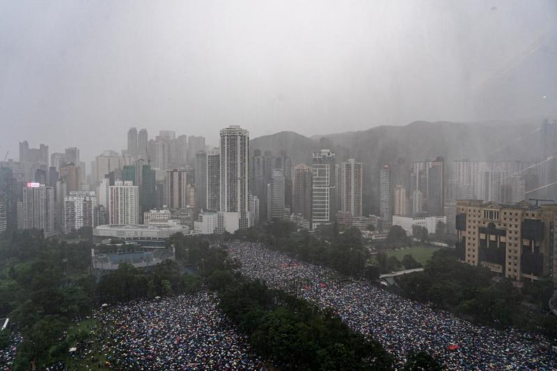 2019年8月18日,反送中香港民眾擠爆維園和周圍街道。(Anthony Kwan/Getty Images)