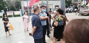 信訪辦局長接待日 重慶訪民唐雲淑被警方帶走