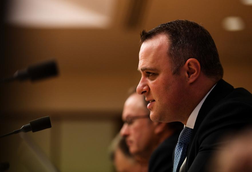澳議會點名批中資公司 指其蓄意致澳公司破產