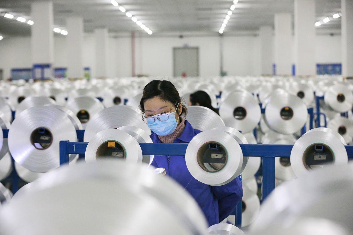 大陸疫情的透明度差,不確定性高,對經濟的危害非常大。 (STR/AFP via Getty Images)