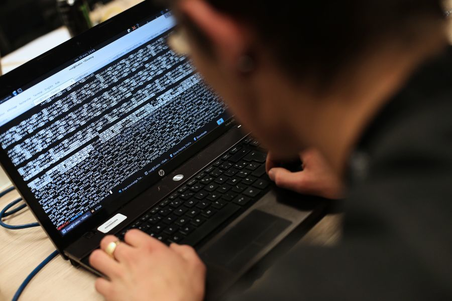 美律師:中國網絡危險 私隱商業機密無處可藏