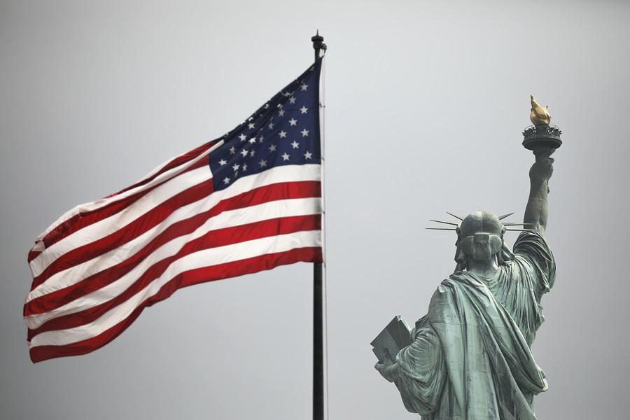 香港法案生效 傳親共富商被拒入境美國