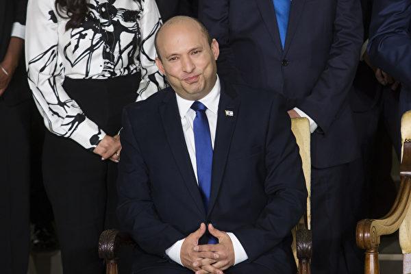 2021年6月14日,以色列新總理納夫塔利‧貝內特(Naftali Bennett)在總統官邸。(Amir Levy/Getty Images)
