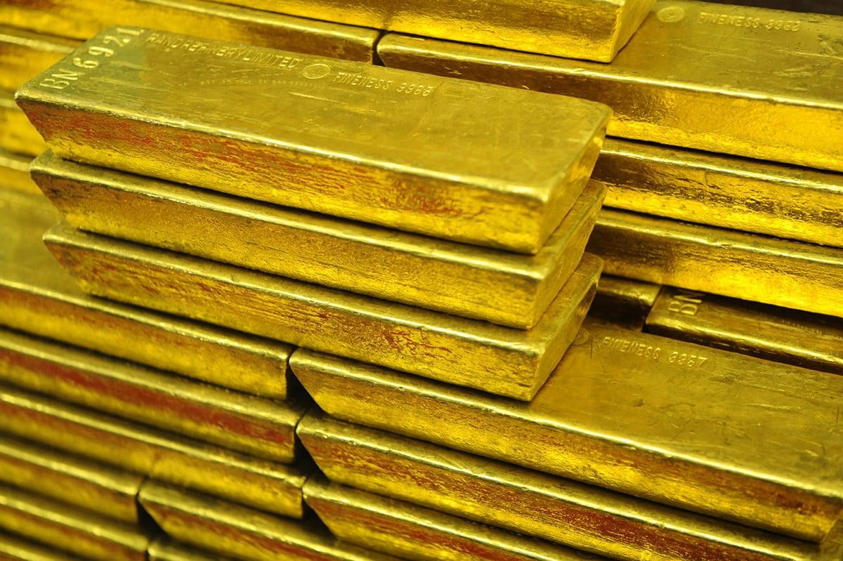 國際黃金價格在8月5日創下6年來新高。圖為2011年9月5日,捷克中央銀行裏的金條。(MICHAL CIZEK/AFP/Getty Images)