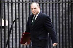 英國防大臣:中共仍需要回答疫情問題