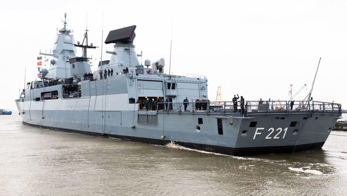 德國擬在今年夏天向印太地區派遣一艘巡防艦,但執行任務的巡防艦的名稱尚不得而知。圖為德國黑森號(FGS Hessen F-221)。(MOHSSEN ASSANIMOGHADDAM/DPA/AFP via Getty Images)