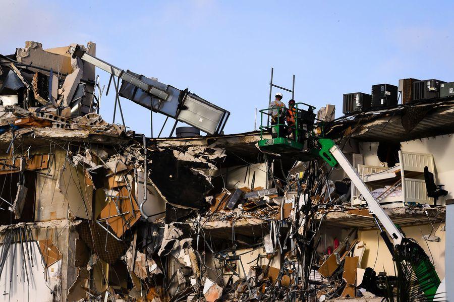 CNN分析:中共百年前夕 大報邁阿密塌樓轉移視線