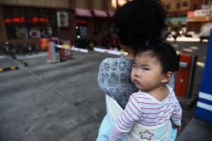中國新生人口崩盤式下跌 廈門和信陽減半