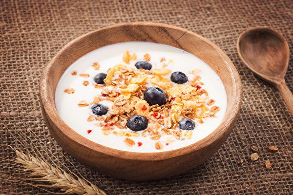 維他命B6、B12、煙鹼酸、泛酸、葉酸或生物素,吃這些食物,會讓您有較好的心情。(Fotolia)