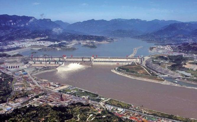 圖為高空拍攝的三峽大壩,位於湖北宜昌境內。(AFP/Getty Images)