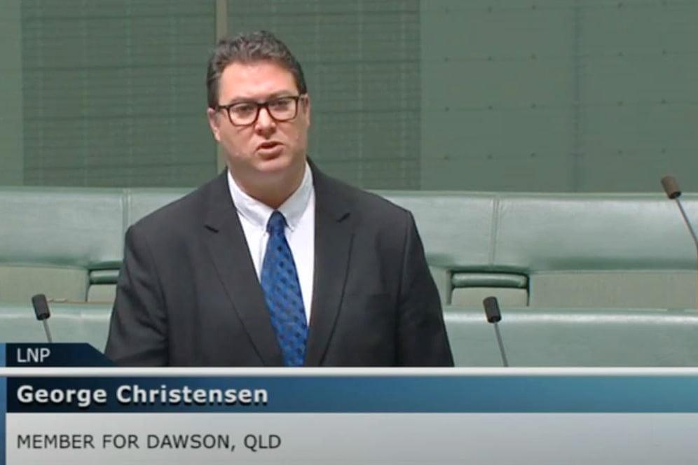 澳洲昆士蘭州獨立議員克里斯滕森(George Christensen)是國會貿易和投資增長聯合常務委員會主席。他日前發起了一項對中共滲透及威脅澳洲經濟的調查。(澳洲聯邦議會影片截圖)