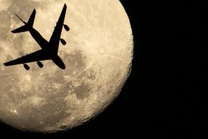 澳航送客上天賞超級月亮 發售百張特別機票
