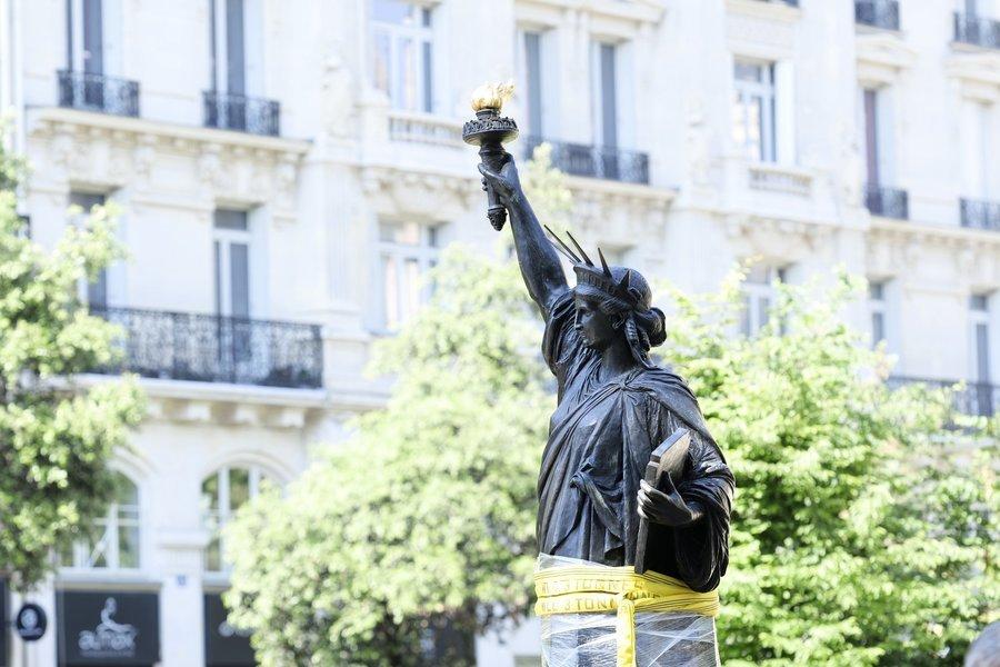 法國送獨立日大禮:迷你自由女神抵達紐約
