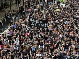 香港九龍反送中遊行「打倒共產黨」聲不斷