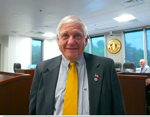 維珍尼亞州路易莎縣委員會主席小羅伯特·巴貝克(Robert F. Babyok, Jr.)(李辰/大紀元)