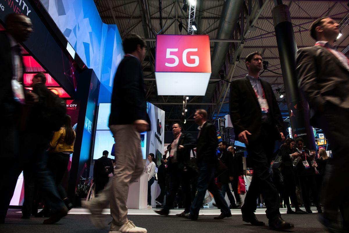 根據高通報告初估,全球5G的經濟規模約有3.5兆美元,而整個產業鏈達12.3兆美元。5G網絡是各國正在積極發展的領域。(JOSEP LAGO/AFP/Getty Images)