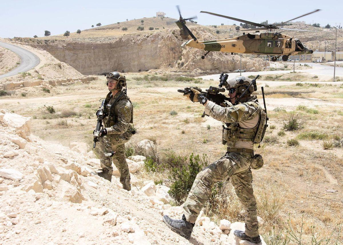 伊斯蘭國最大頭目巴格達迪在美國特種作戰部隊的一個突擊行動中死亡。美軍利用高科技在很短時間內便確認出他的身份。圖為特種作戰部隊示意圖。(公有領域)