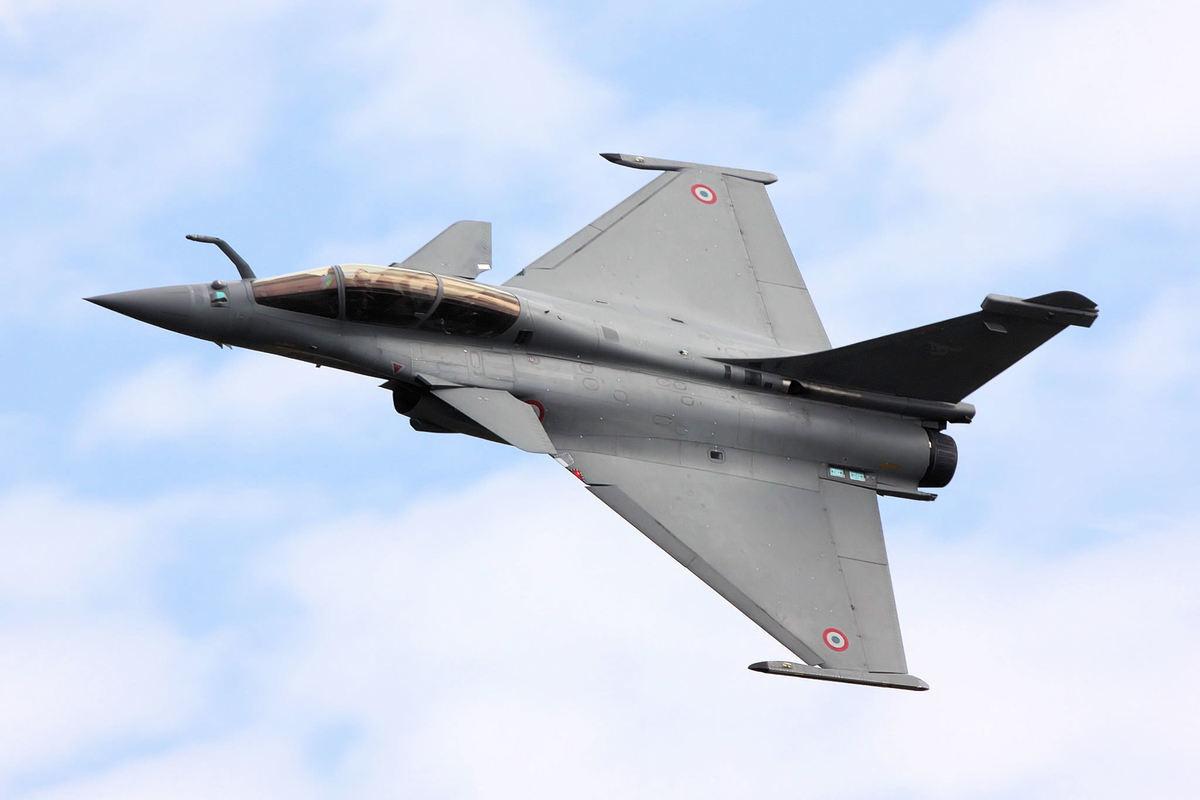 「陣風」戰鬥機是法國達索航空公司研製的一款雙發鴨翼佈局多用途戰鬥機。(Tim Felce/維基百科)