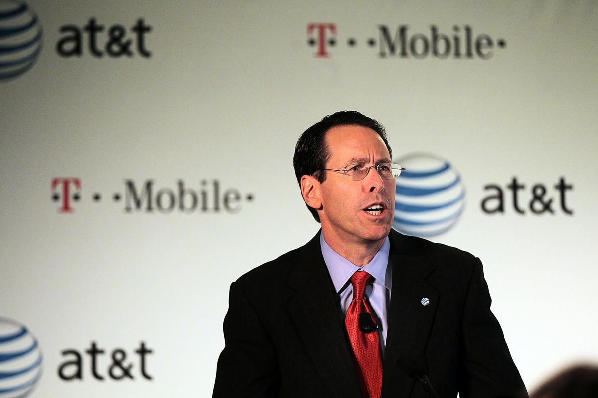 美國電訊巨頭AT&T於2020年4月24日宣佈首席執行官斯蒂芬森(Randall Stephenson,圖)將卸任。(Spencer Platt/Getty Images)