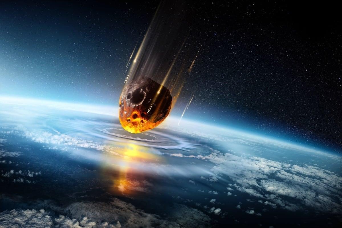 研究發現,大範圍滅絕事件總是和災難性的小行星撞擊事件、火山噴發事件發生在同一時期。(ShutterStock)