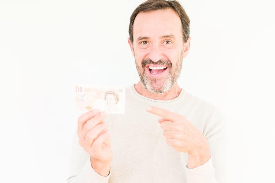 英國男取款機取到「無臉」鈔票 價值連城?