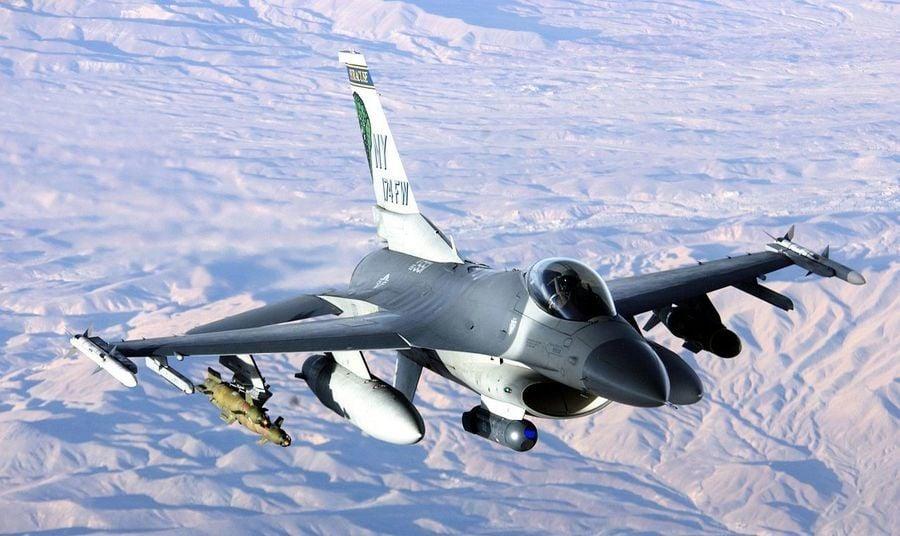 美國F-16戰機服役五十載 為何至今仍最強