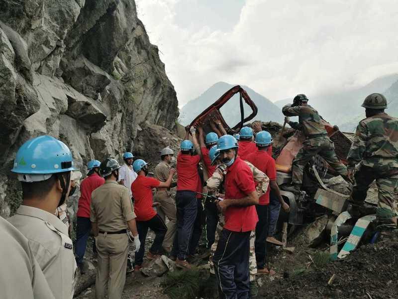 印度北部山泥傾瀉 10人死亡數十人被困