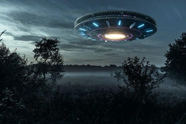 很多人質疑,美國在二戰後軍事和科技迅猛發展,很可能跟外星人有關。而曾目擊UFO的前美國海軍表示,他認為世界上的政府有可能擁有外星科技。(Shutterstock)