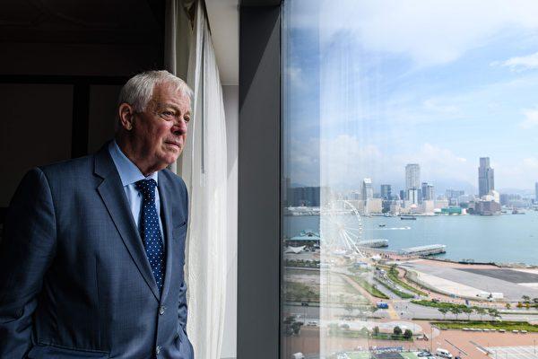 末代港督彭定康表示,香港主權移交22年以來,中共政府的所作所為,造就了一代想要獨立的香港人。圖為資料照。 (AFP)
