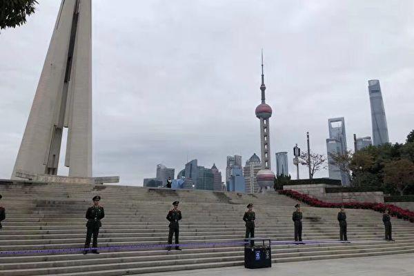 第二屆國際進口博覽會,2019年11月5日在上海開幕了。習近平在開幕式上表示,「中國是守信的國家」,但遭質疑。圖為去年上海進博會開幕時,上海草木皆兵的現場。(大陸網友提供)