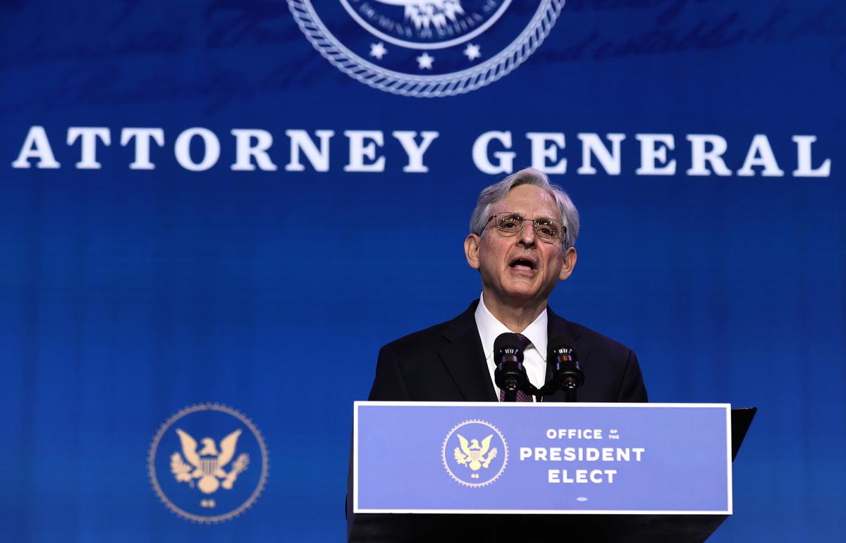 2021年1月7日,在特拉華州威爾明頓的王后劇院,聯邦法官梅裏克·加蘭(Merrick Garland)在被當選總統拜登提名為下一任美國司法部長後發表講話。(Chip Somodevilla/Getty Images)
