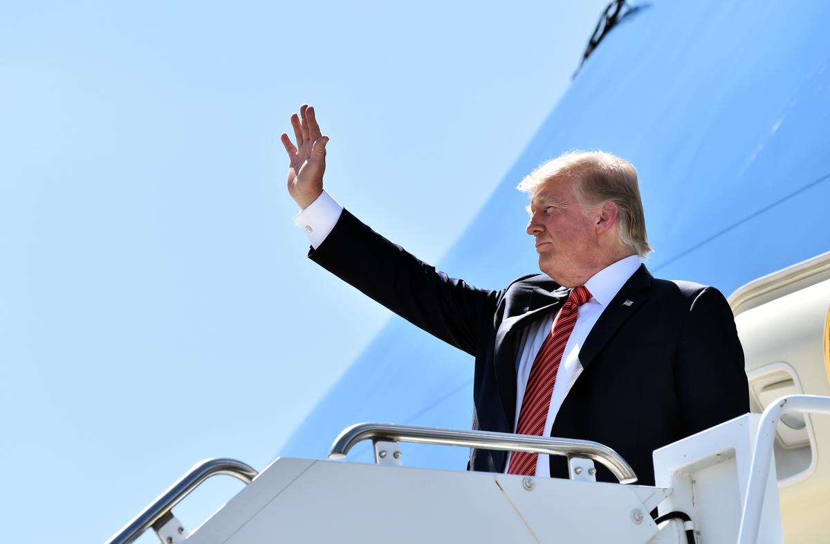 周二(8月18日),美國總統特朗普表示支持甲骨文公司(ORACLE)收購中國公司字節跳動擁有的TikTok(抖音海外版)在美國的業務。(Nicholas Kamm/AFP)