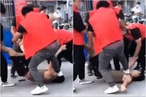 【一線採訪】揚州男子遭多名志願者毆打引民憤