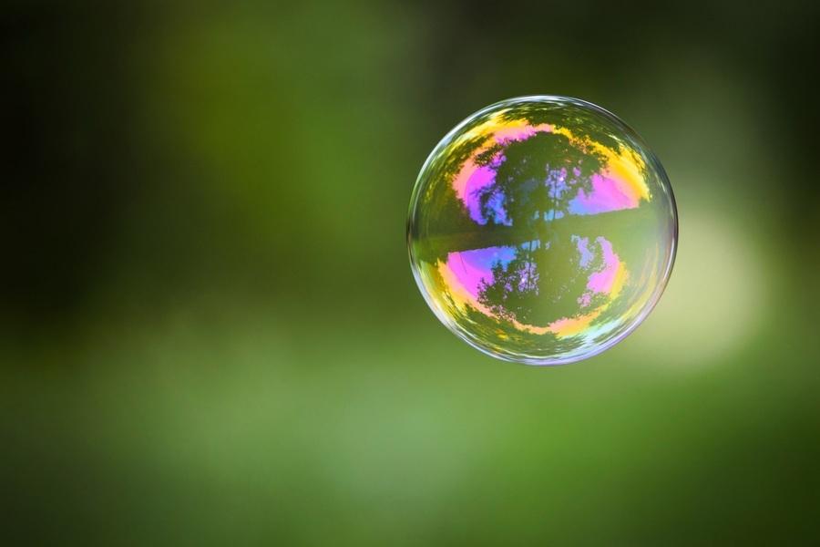 大泡泡裏吹出783顆小泡泡 台男創世界紀錄